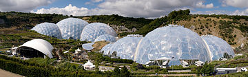 360px-Eden_Project_geodesic_domes_panorama